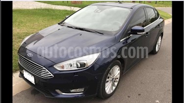 Foto venta Auto Usado Ford Focus Sedan 2.0L Titanium Aut (2015) color Azul precio $545.000