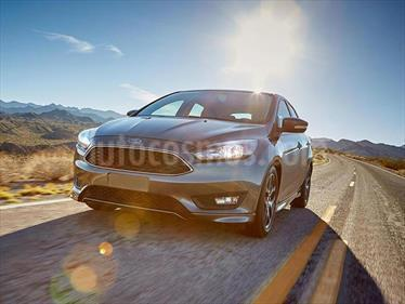 foto Ford Focus Sedan 2.0L Titanium