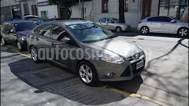 Foto venta Auto Usado Ford Focus Sedan SE 2.0L Duratec (2014) color Gris