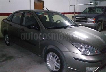 Foto venta Auto usado Ford Focus 5P 2.0L Edge  (2005) color Gris precio $144.800