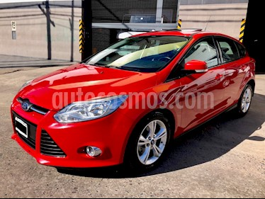 Foto venta Auto Usado Ford Focus 5P 2.0L SE Plus Aut (2015) color Rojo Bari precio $389.000