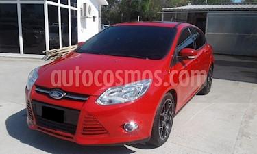 Foto venta Auto Usado Ford Focus 5P 2.0L SE Plus Aut (2015) color Rojo Bari precio $398.500