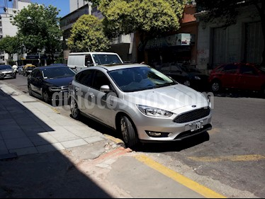 Foto venta Auto usado Ford Focus 5P 2.0L SE Plus (2015) color Plata Metalizado precio $535.000