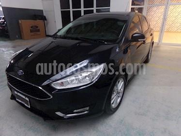Foto venta Auto Usado Ford Focus 5P 2.0L SE (2015) color Negro Perla