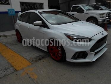 Foto venta Auto Seminuevo Ford Focus 5P RS 2.3 STD (2016) color Blanco precio $499,000