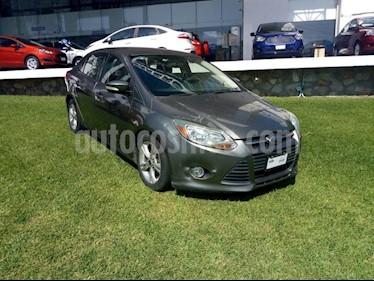 Foto venta Auto Usado Ford Focus AMBIENTE 4-ptas AT (2013) color Gris Nocturno precio $140,000
