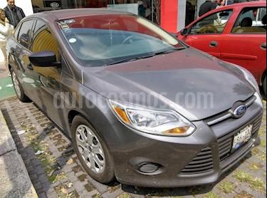 Foto venta Auto Seminuevo Ford Focus S (2014) color Gris Nocturno precio $150,000
