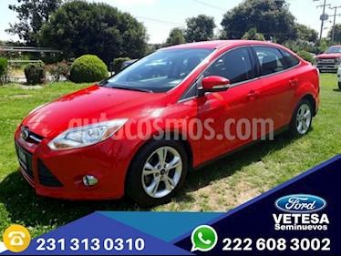 Foto venta Auto Seminuevo Ford Focus SE 4-ptas AT (2013) color Rojo Racing precio $149,000