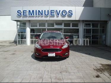 Foto venta Auto Usado Ford Focus SE 4-ptas AT (2015) color Rojo Rubi precio $180,000