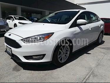 Foto venta Auto Seminuevo Ford Focus SE 4-ptas AT (2015) color Blanco precio $184,000