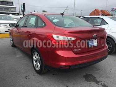 Foto venta Auto Seminuevo Ford Focus SE 4-ptas AT (2012) color Rojo Granate precio $99,000