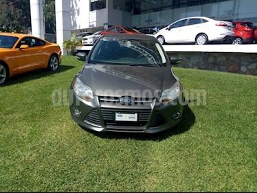 Foto venta Auto Seminuevo Ford Focus SE 4-ptas (2013) color Gris Nocturno precio $140,000