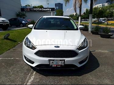 Foto venta Auto Seminuevo Ford Focus SE Appearance Aut (2015) color Blanco Oxford precio $195,000