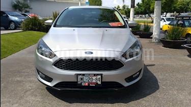Foto venta Auto Seminuevo Ford Focus SE Appearance Aut (2015) color Plata Estelar precio $195,000