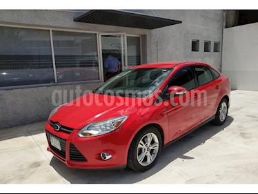 Foto venta Auto Usado Ford Focus Sedan SEL 4-ptas (2013) color Rojo Racing precio $140,000