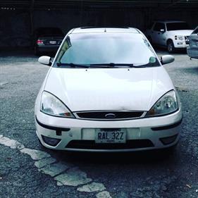 foto Ford Focus ZTS usado (2006) color Blanco precio u$s2.000