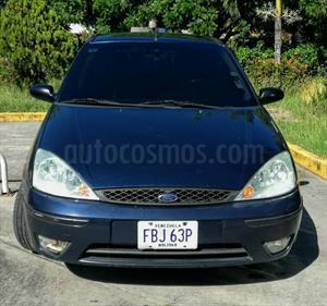 Foto venta carro usado Ford Focus ZX3 (2006) color Azul precio u$s2.300
