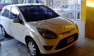 Foto venta Auto Usado Ford Ikon Ambiente Ac (2012) color Blanco Diamante precio $92,000