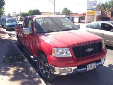 Foto venta Auto Seminuevo Ford Lobo XLT 4x2 Cabina Media (2005) color Rojo precio $120,000