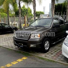 Foto venta Auto Seminuevo Ford Lobo XLT 4x2 Cabina y Media  (2005) color Bronce precio $130,000