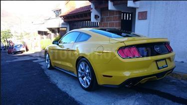 Foto venta Auto Seminuevo Ford Mustang GT Equipado 5.0L V8 (2015) color Amarillo precio $510,000