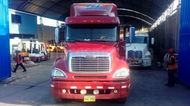 Foto venta Auto usado Freightliner Fld 120 Chasis L6,12 S 2 3 (2001) color Rojo precio u$s50,000
