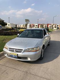 Foto venta Auto usado Honda Accord EX 2.3L (2000) color Gris Plata  precio $63,000
