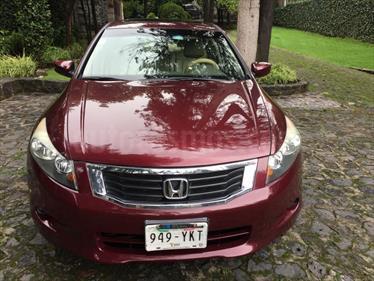 Foto venta Auto Seminuevo Honda Accord EX 2.4L (2010) color Vino Tinto precio $130,000