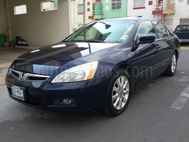 Foto venta Auto Seminuevo Honda Accord EX 3.0L V6 (2007) color Azul Marino precio $97,500