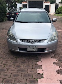 Foto venta Auto Seminuevo Honda Accord EX 3.0L V6 (2004) color Gris Plata  precio $82,000