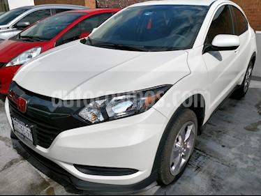 Foto venta Auto Seminuevo Honda HR-V Uniq (2018) color Blanco precio $295,000