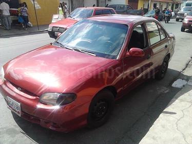 foto Hyundai Accent LS 1.5 Sinc. usado (2002) color Rojo Obscuro precio u$s1