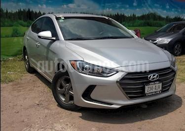 Foto venta Auto Seminuevo Hyundai Elantra GLS Aut (2017) color Plata precio $220,000