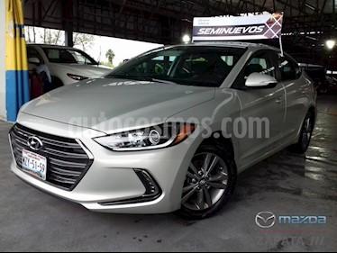 Foto venta Auto Seminuevo Hyundai Elantra GLS Premium Aut (2017) color Gris precio $235,000