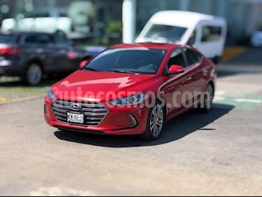 Foto venta Auto Seminuevo Hyundai Elantra LIMITED TECH NAVI (2017) color Rojo precio $259,900