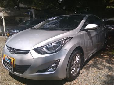 Hyundai Elantra Premium usado (2015) color Plata precio $46.000.000