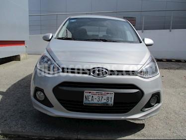 Foto venta Auto Seminuevo Hyundai Grand i10 GLS (2017) color Plata precio $155,000
