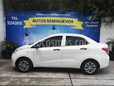 Foto venta Auto Seminuevo Hyundai i10 Sedan GL Aut (2017) color Blanco precio $147,000