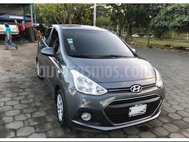 Foto venta Auto usado Hyundai i10 Sedan GL MID (2016) color Gris precio $135,000