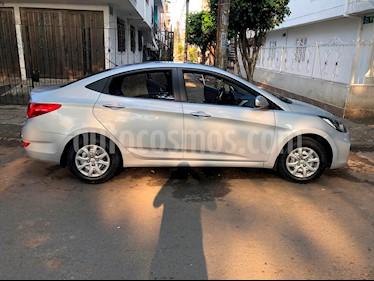 Foto venta Carro Usado Hyundai i25 1.4 (2015) color Plata precio $35.000.000