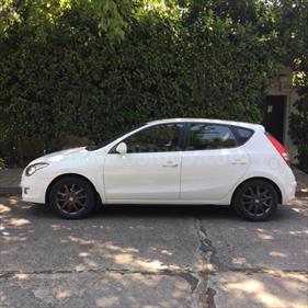 Foto venta Auto usado Hyundai i30 GLS 1.6   (2012) color Blanco precio $5.850.000