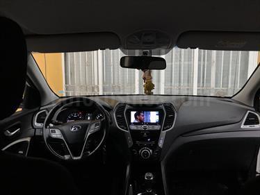 Hyundai Santa Fe 2.4 GLS 4x2 usado (2016) color Blanco Perla precio $15.000.000