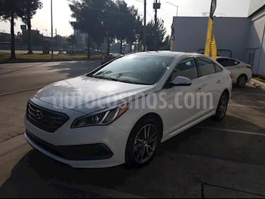 Foto venta Auto Seminuevo Hyundai Sonata Sport 2.0T (2017) color Blanco precio $415,000