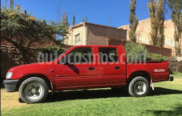 foto Isuzu Pick up 2.5 STA 4x2 Cabina Doble