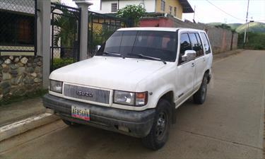 Foto Isuzu Trooper Version sin siglas V6 3.2i 24V