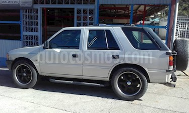 Foto venta carro Usado Isuzu Trooper Version sin siglas V6 3.2i 24V (1995) color Plata precio u$s1.300