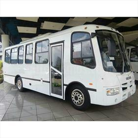 Foto venta carro Usado Iveco 5232 Version sin siglas L4 2.5i (2001) color Blanco Glaciar precio BoF480.000.000