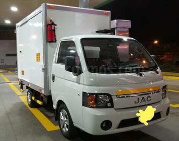 Foto venta Auto usado JAC Motors X200 2.8L Tdi  (2017) color Blanco Platinado precio $15,500