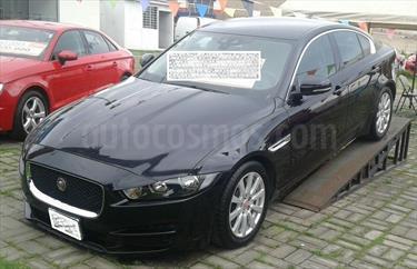 Foto Jaguar XE Pure