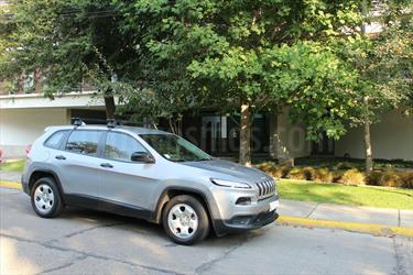 Foto venta Auto usado Jeep Cherokee 2.4L Sport 4x2    (2015) color Plata precio $13.490.000